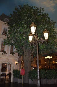 lamposts 198x300 Paris Las Vegas Hotel