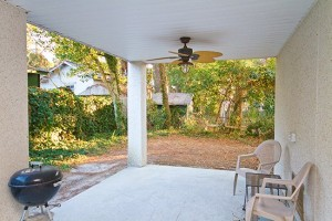 Back Patio 300x200 Quit Yer Crab Inn or Possibly the Best Beach House in the Entire World