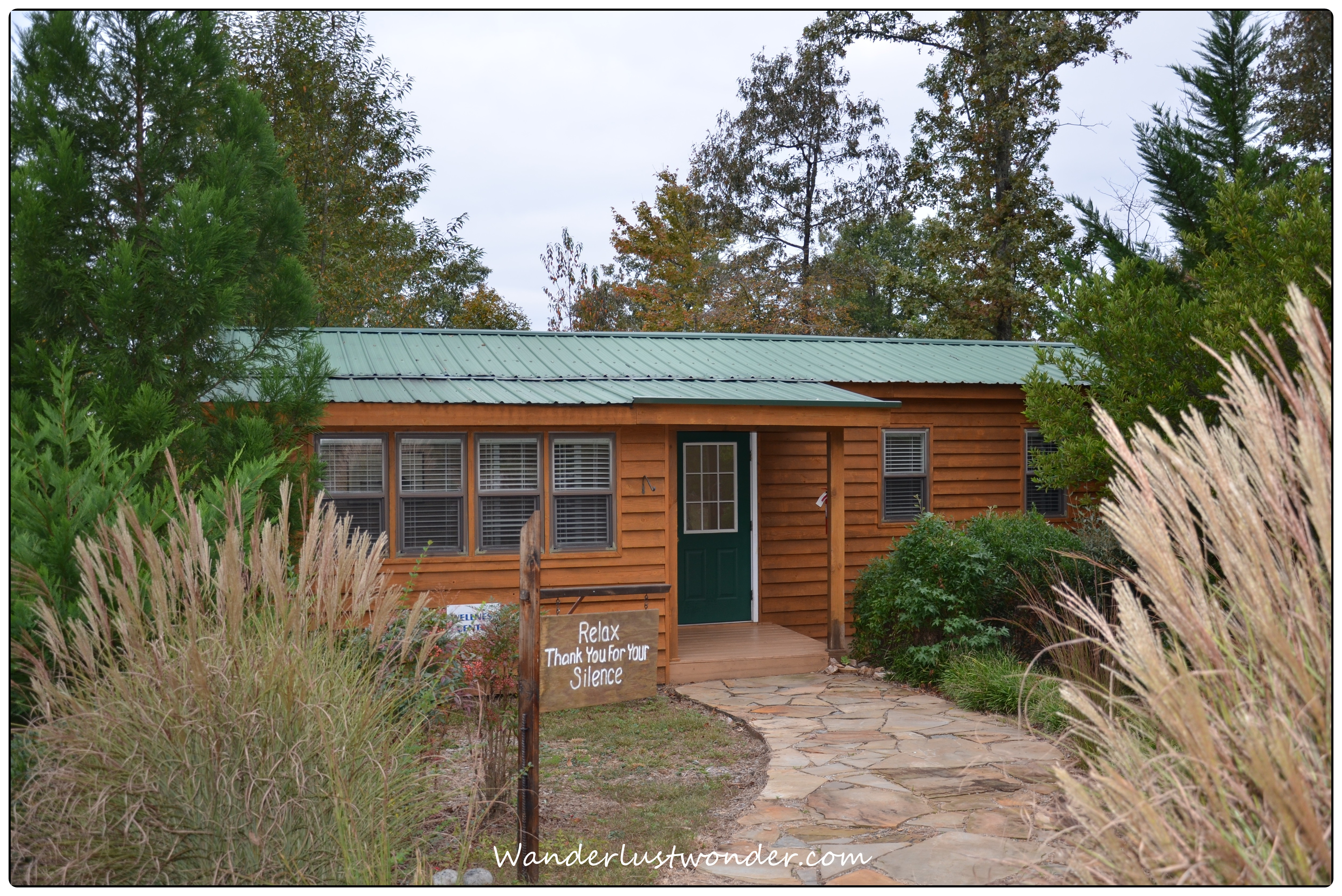 accommodations barefoot hotels bed dahlonega cabin eco cabins ga in hotel ecocabin hills