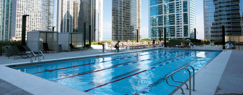 Radisson blu aqua Hotel in chicago with swimming pool in room
