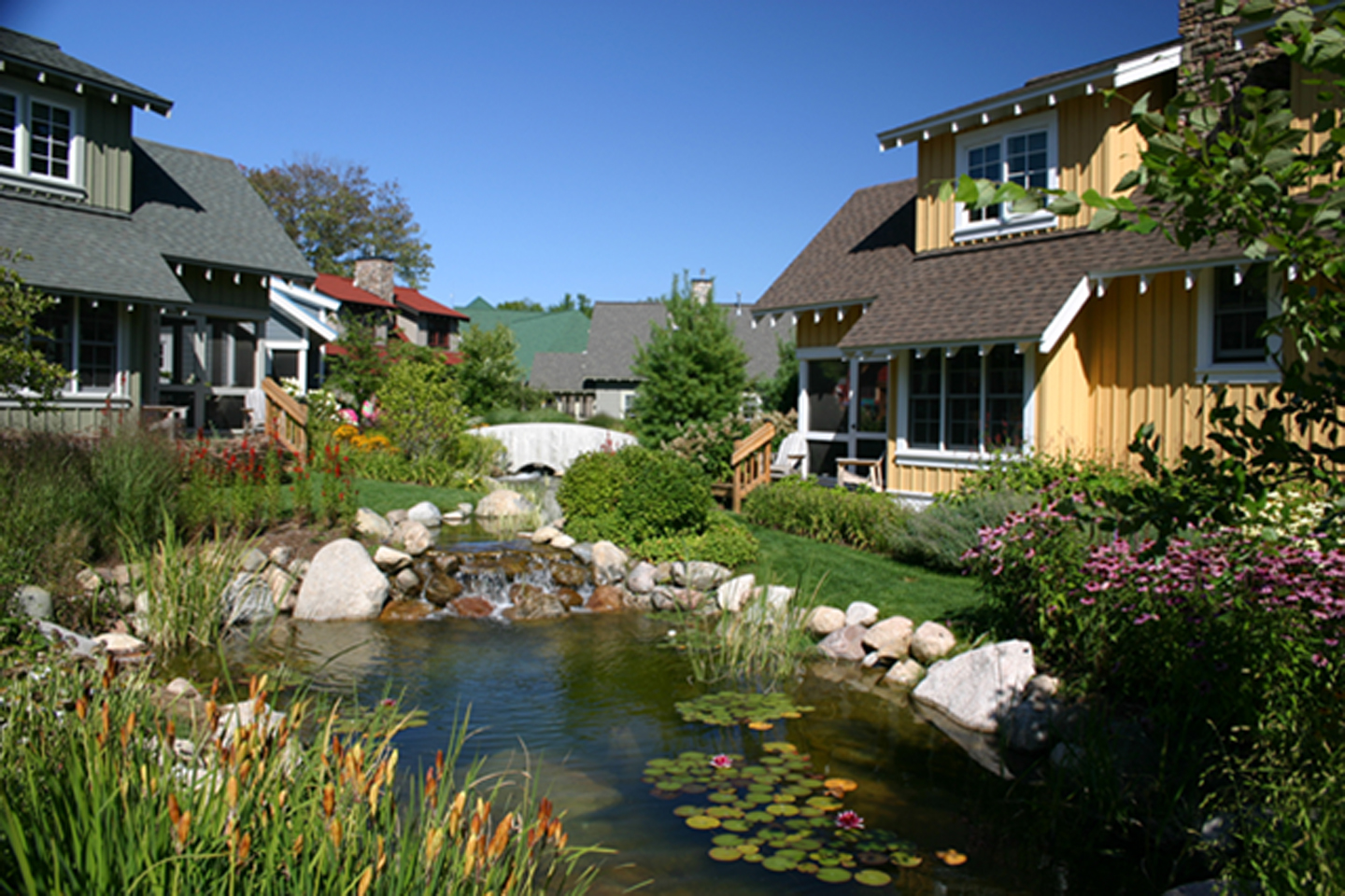 Cottages at Waters Edge in Summer. Photo courtesy of the resort.