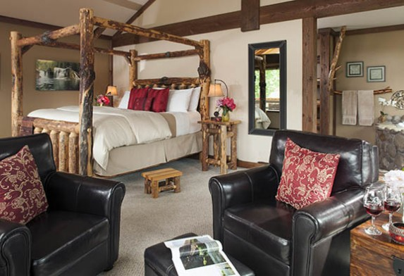 Our comfy and luxurious cabin. Photo courtesy of Carson Ridge Luxury Cabins.