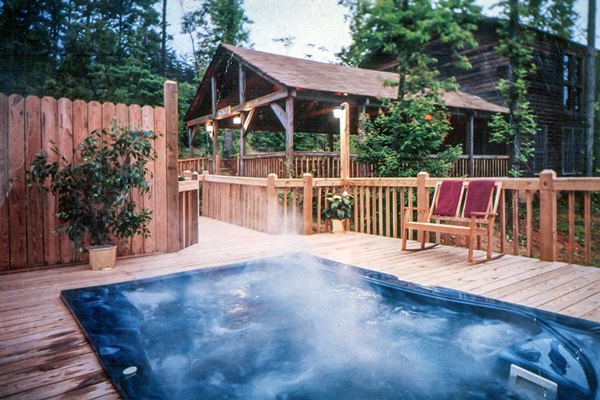 Great hot tub for a group! Photo courtesy of Forrest Hills Resort.