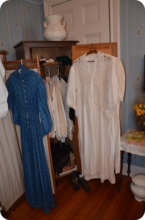 Women's Clothes of the time period